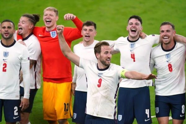 The victory of the England team slashed beat Denmark 2-1